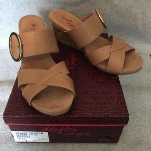 DexFlex Comfort Tan Wedge Sandals